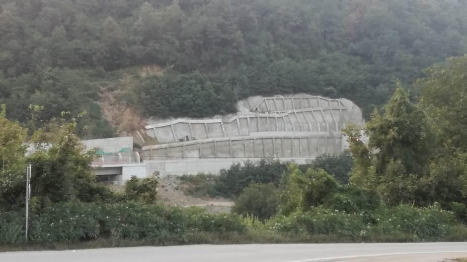 Grdelička klisura, klisura, autoput, gradnja, put, potporni zid, grdelica, koridor, koridor 10