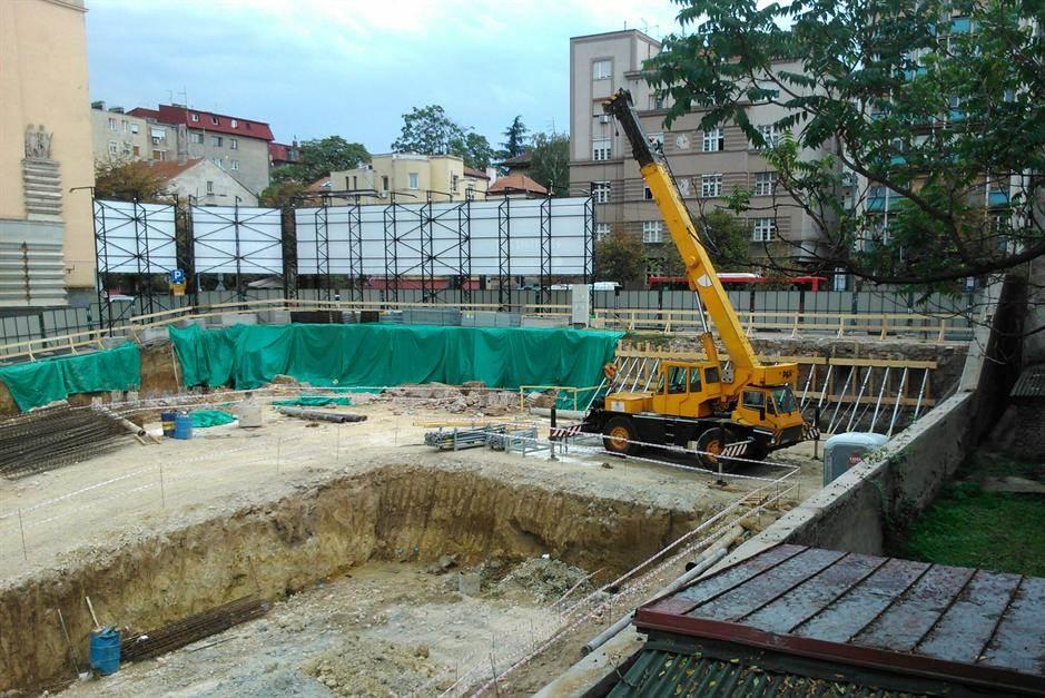 gradilište,dizalica,ambasada,ruka,iskop