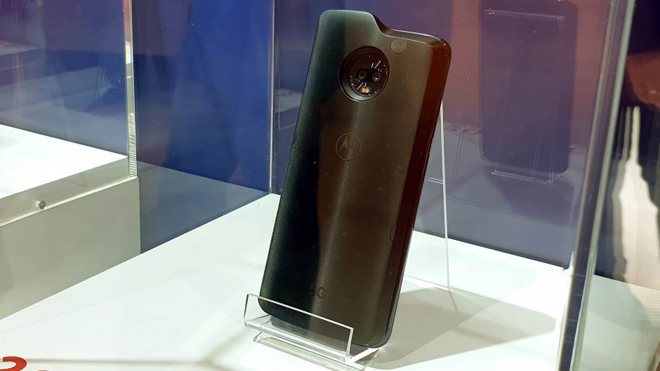 Prvi i poslednji mobilni telefon na istoj slici