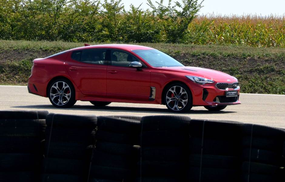 """Kia stinger GT"" na trkačkoj stazi (TEST)"