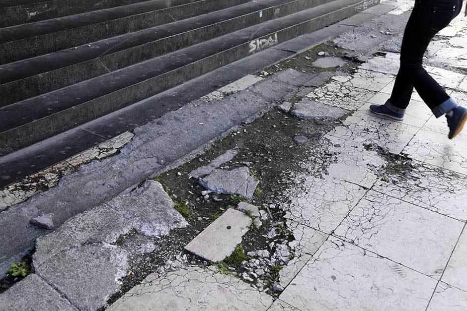 Knez Mihailova: Popravljano, a već razvaljeno