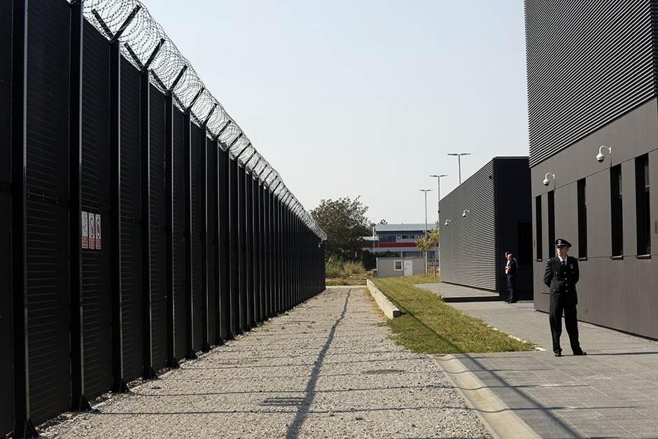 zatvor, ograda, žica, čuvar, policija