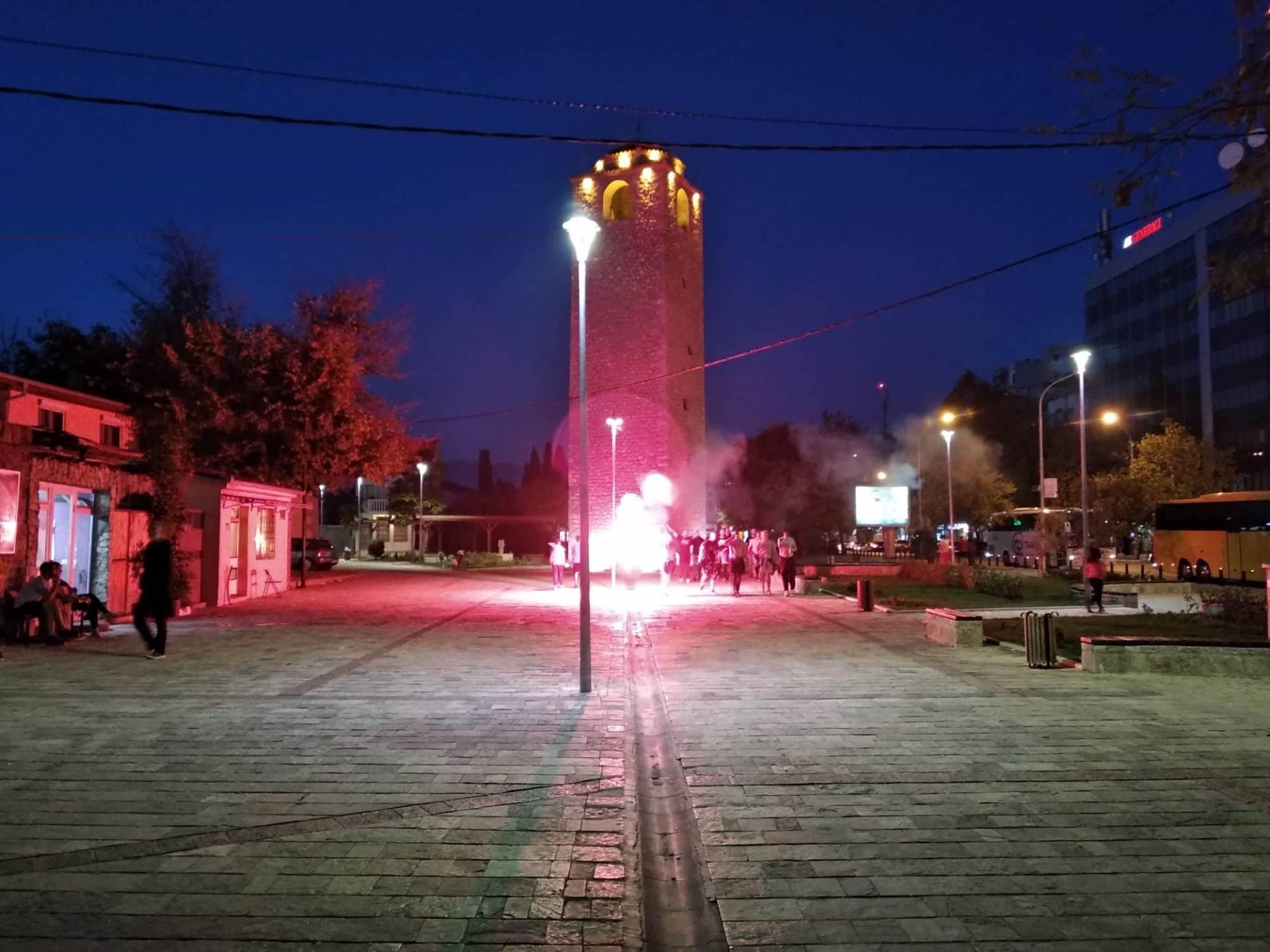 Baklje i pesma u Podgorici, ali i tuča (FOTO/VIDEO)