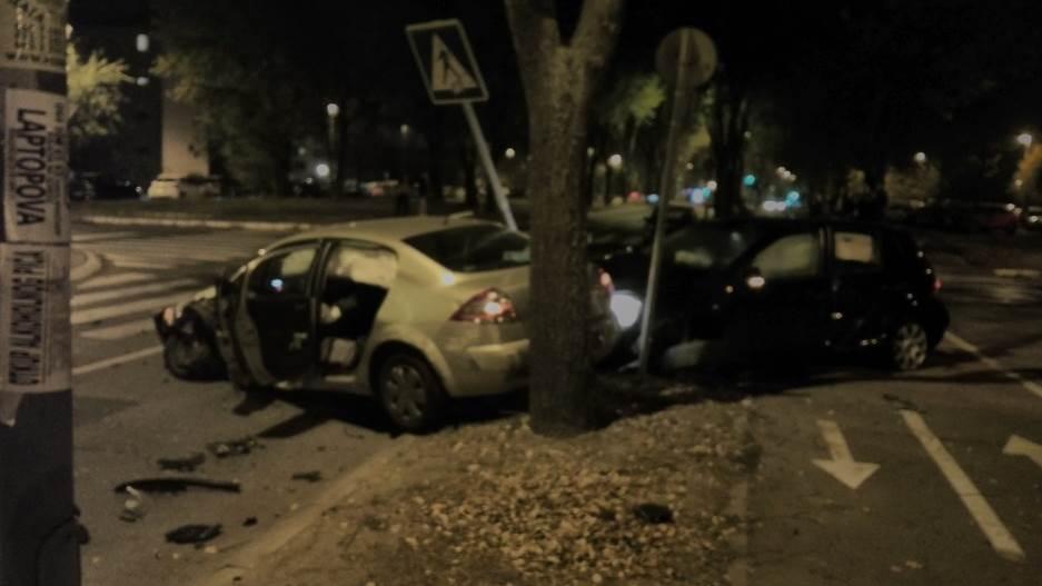 sudar,nesreća,slupana kola,automobili