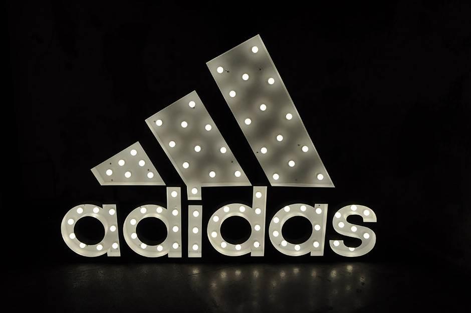 """""""Adidas"""" će morati da menja znak?"""
