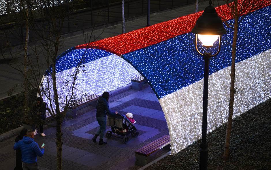 Beograd sutra uključuje novogodišnju rasvetu! FOTO