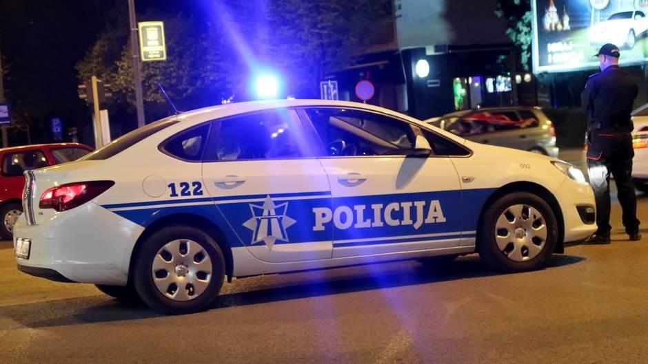 Policija, teambuilding, policajci, policijsko auto