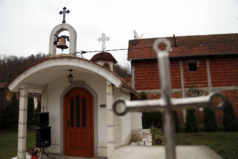 """""""Crkve za poneti"""" - čika Svetin ponos i """"tuga za jug"""""""