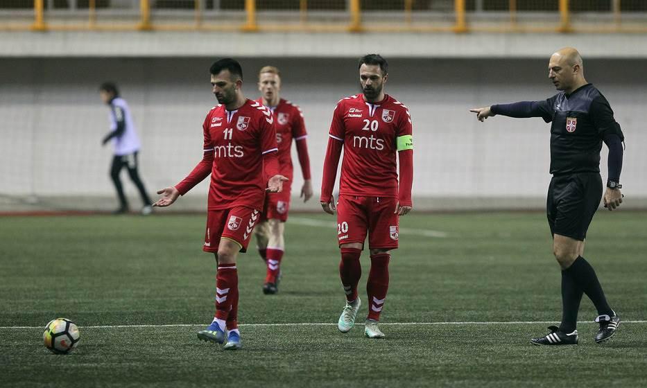 Novica Anđelovski i fudbaleri Radničkog na utakmici sa Voždovcem.