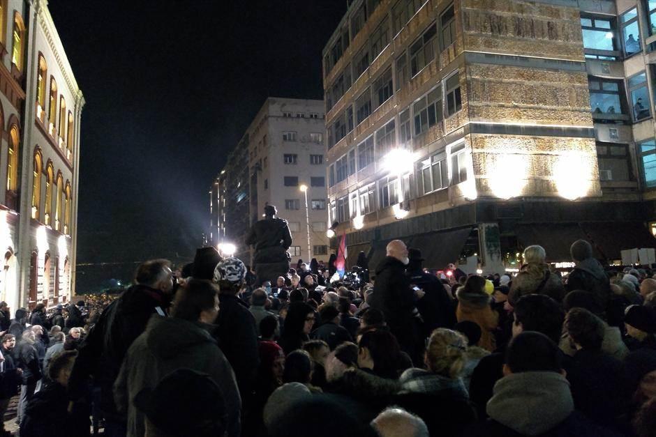 opozicija protest