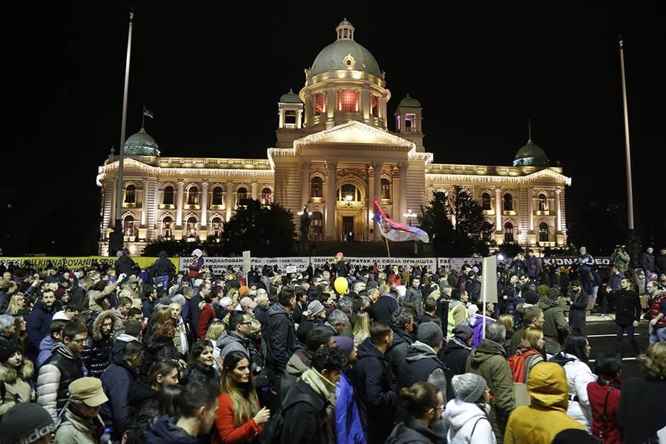 protest , opozoicija, protestanti, demonstranti