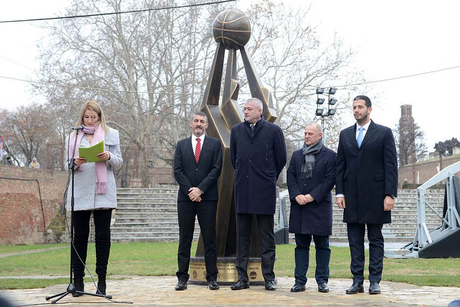 U spomen velikanima srpske košarke (FOTO)