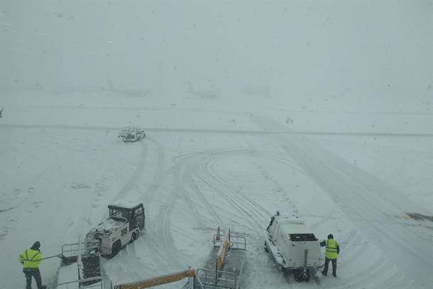 aerodrom sneg pisza nikola tesla