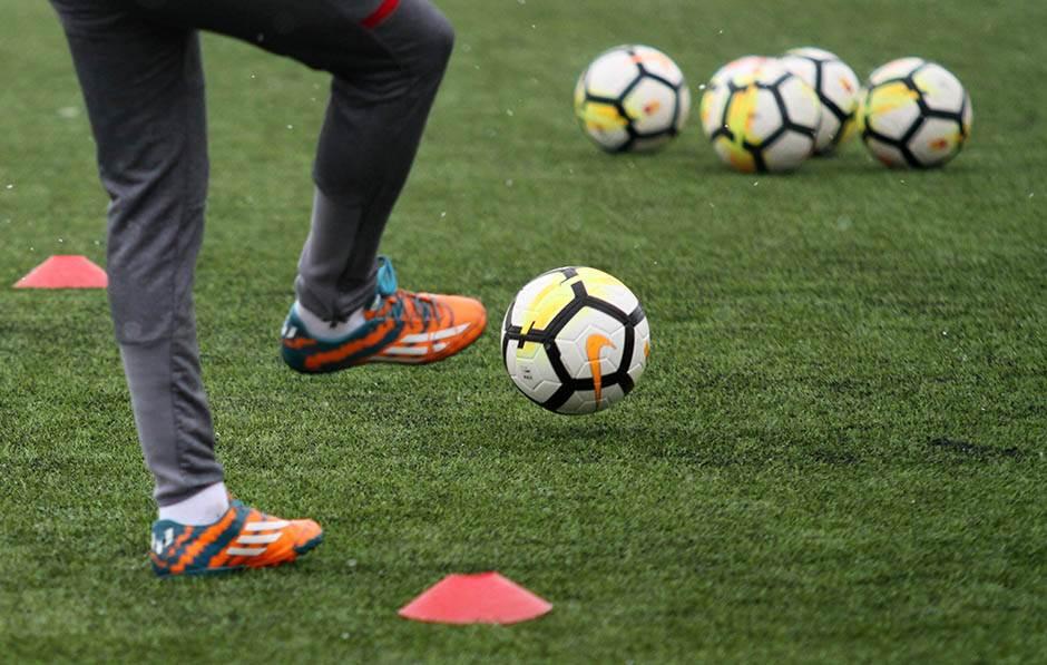 crvena zvezda trening, pripreme, superliga, lopta, lopte, fudbal pokrivalica