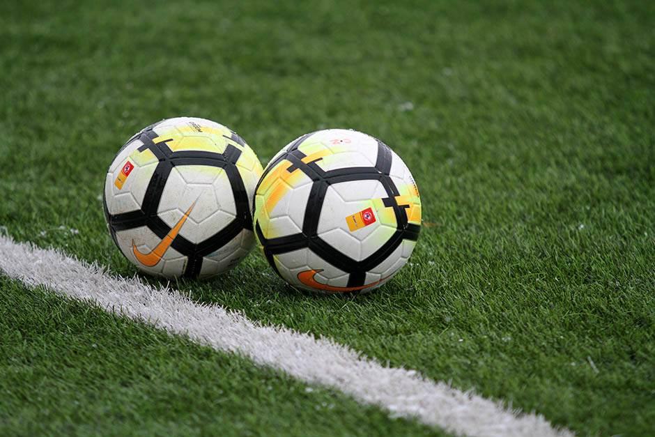 superliga, fudbal, fudbal pokrivalica, lopte, lopta