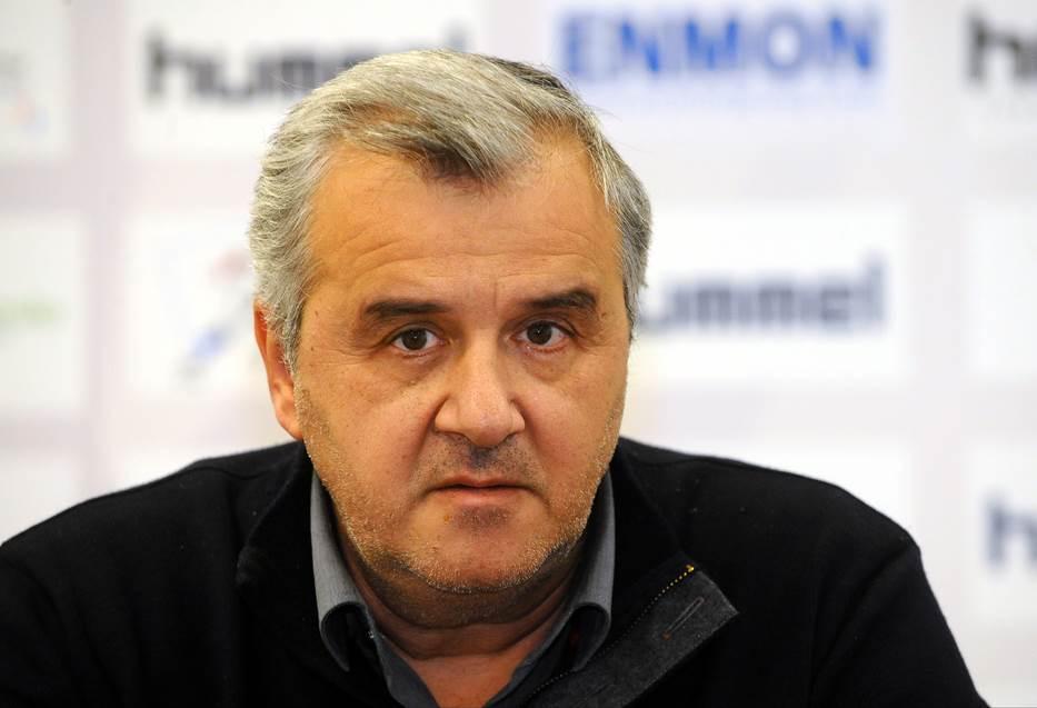 Peruničić ostaje selektor, Savez veruje u njega! (FOTO)
