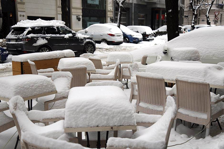 Sneg zatrpao Beograd