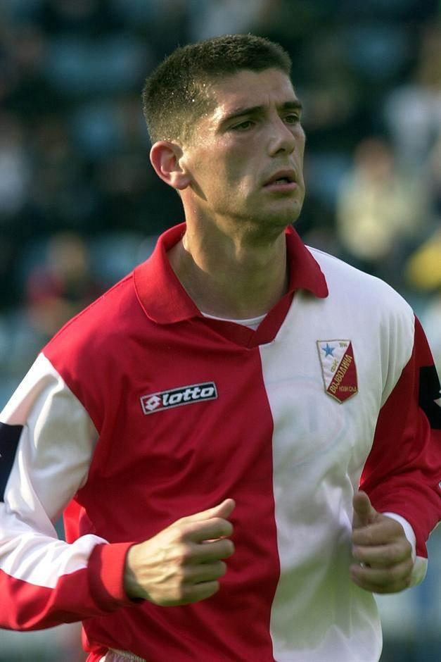 Radovan Krivokapić iz perioda kada je nosio dres Vojvodine. Igrao je i za Crvenu zvezdu, Veriju, Enosis, Iraklis, Radnički Kragujevac i Bačku Topolu, gde je i završio igračku i počeo trenersku karijeru.