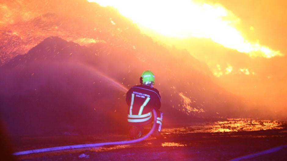 Požar u Splitu, vatra blizu kuća