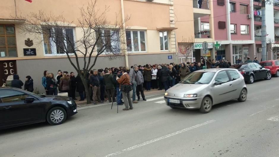 "Skup podrške ""Jutki"" u Brusu: Žene ga hvale (FOTO)"