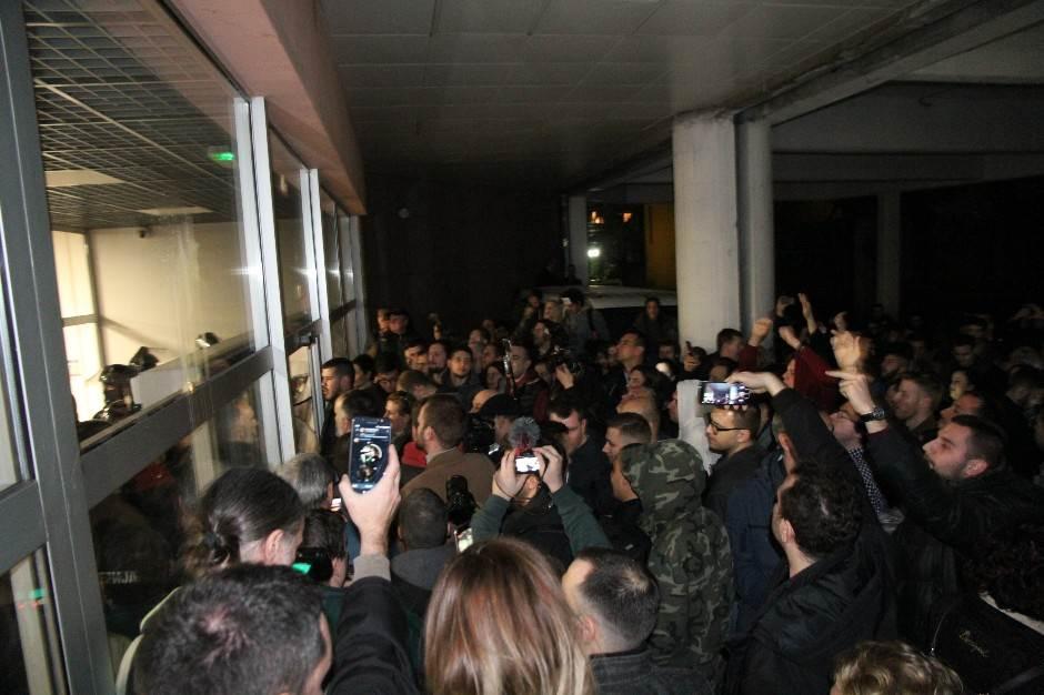 Obradović i Đilas nasilno provalili u zgradu RTS-a!