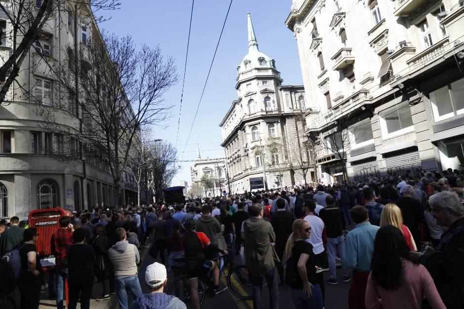 protest, opozicija