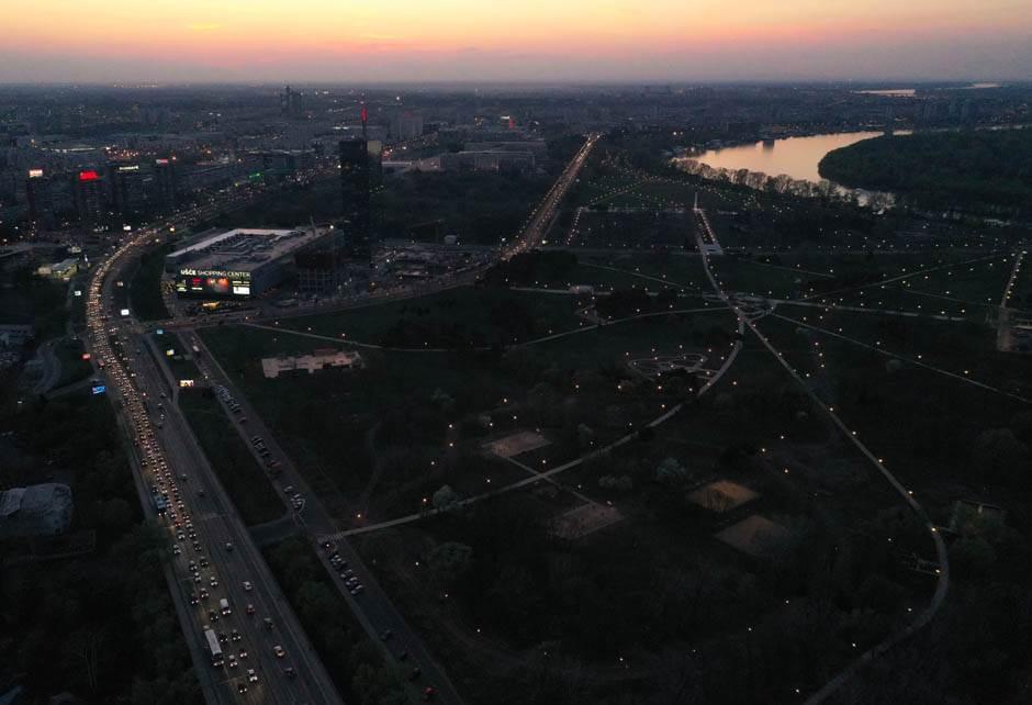 Beograd tone u san