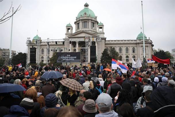 Novi zahtevi opozicije, MUP: Bilo oko 7.500 ljudi