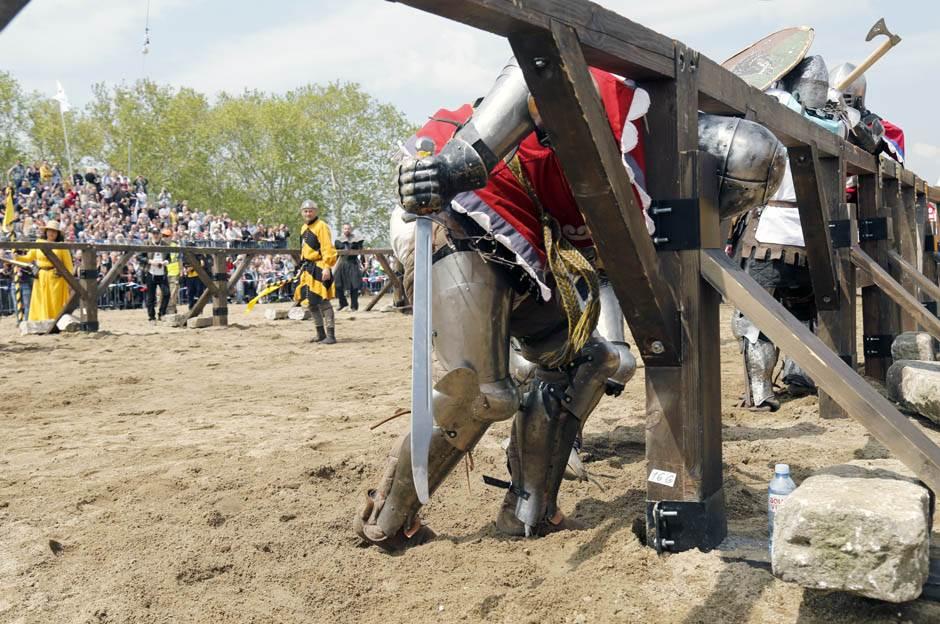 srednji vek, vitez, smederevo, tvrđava, borba, oklop, štit, manifestacija