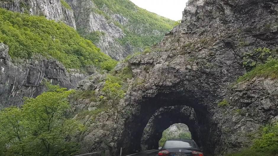 Tragedija u Crnoj Gori: Okliznula se i pala niz liticu