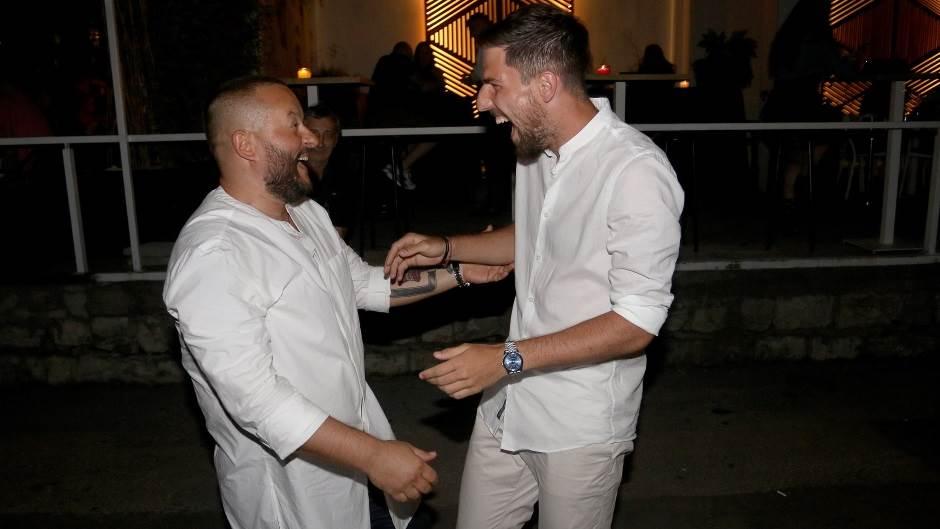 Zvezdaši na narodnjacima - bele košulje i Adil! (FOTO)