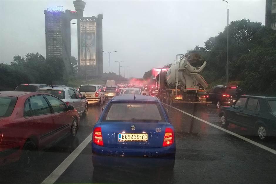 autoput,kolaps,kiša