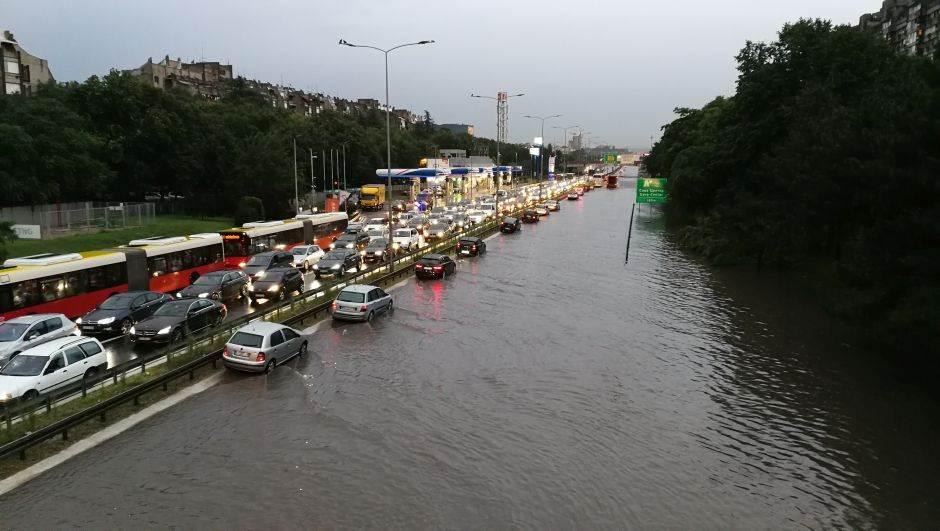 Gradonačelnik: Za poplavu na autoputu krive su pumpe