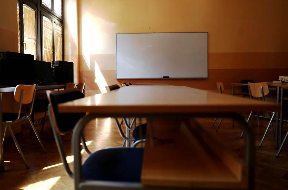 učionica, škola, klupe, školska klupa, tabla, prva beogradska gimnazija,