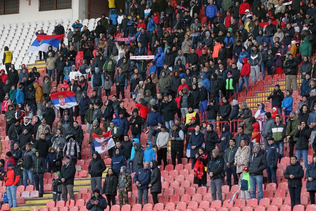 Navijači fudbalera reprezentacije Srbije na utakmici UEFA Lige nacija protiv Crne Gore.