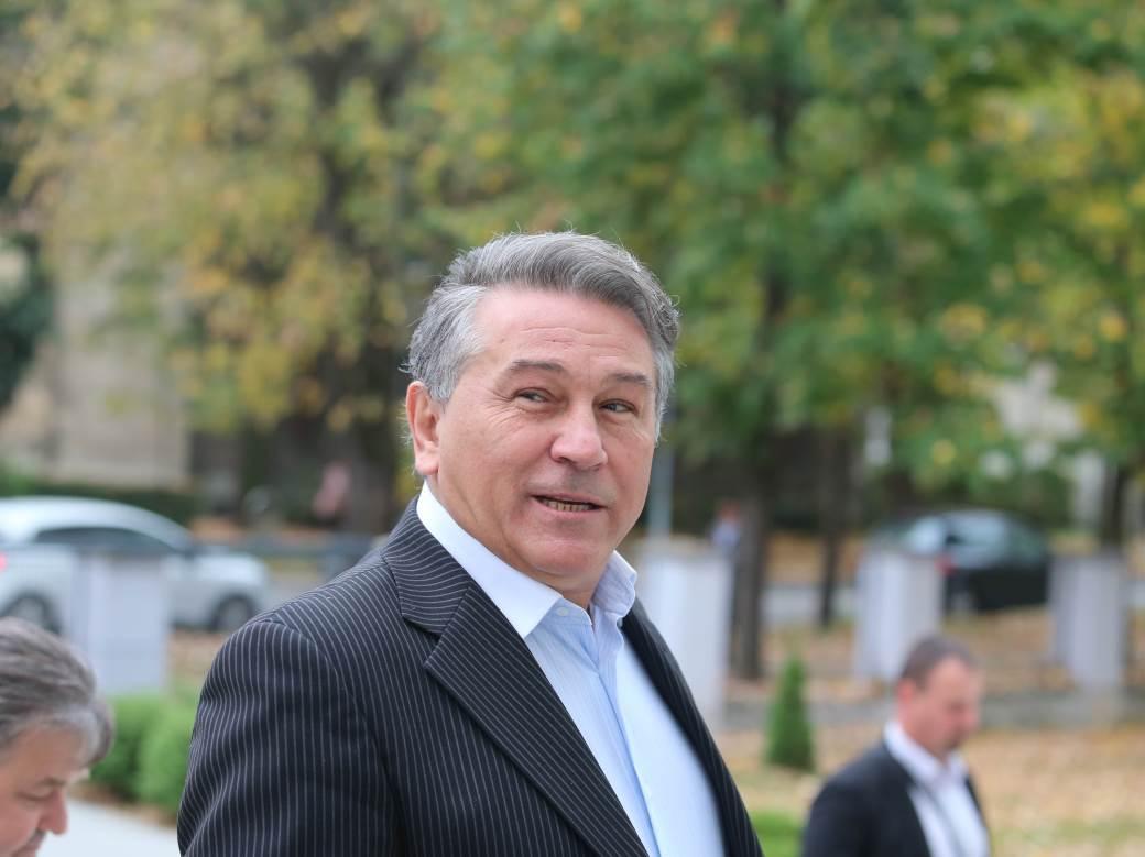 Pjevač Halid Muslimović dolazi na ročište u Osnovni sud u Banjaluci.