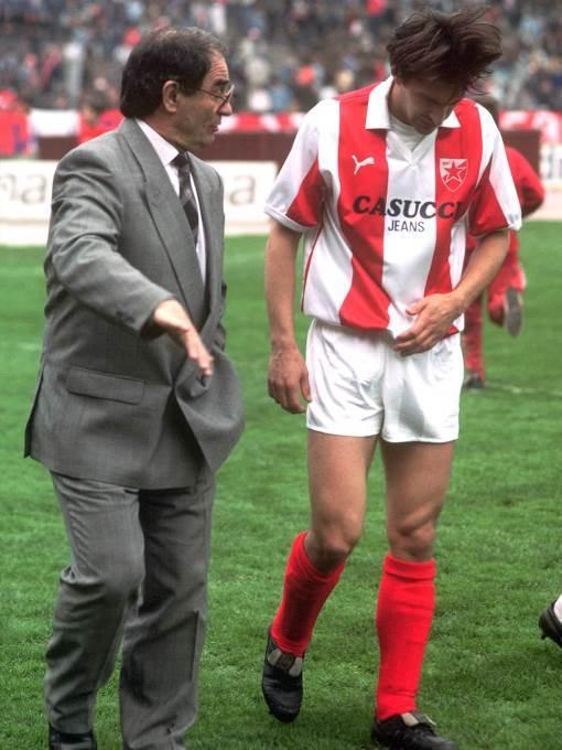 Dragoslav Šekularac i Mitar Mrkela na utakmici protiv Veleža marta 1989. godine.