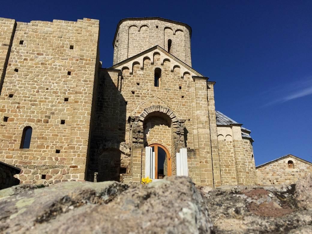 zvonik, đurđevi stupovi, manastir, pravoslavlje, vera
