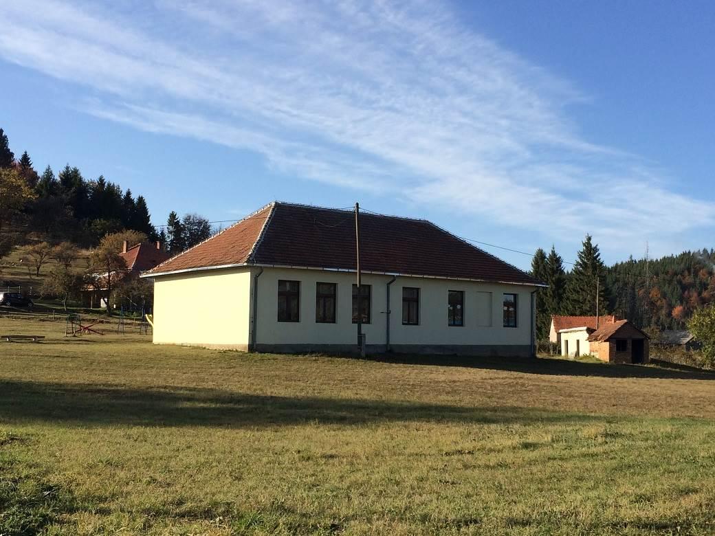 Škola u selu Rudno