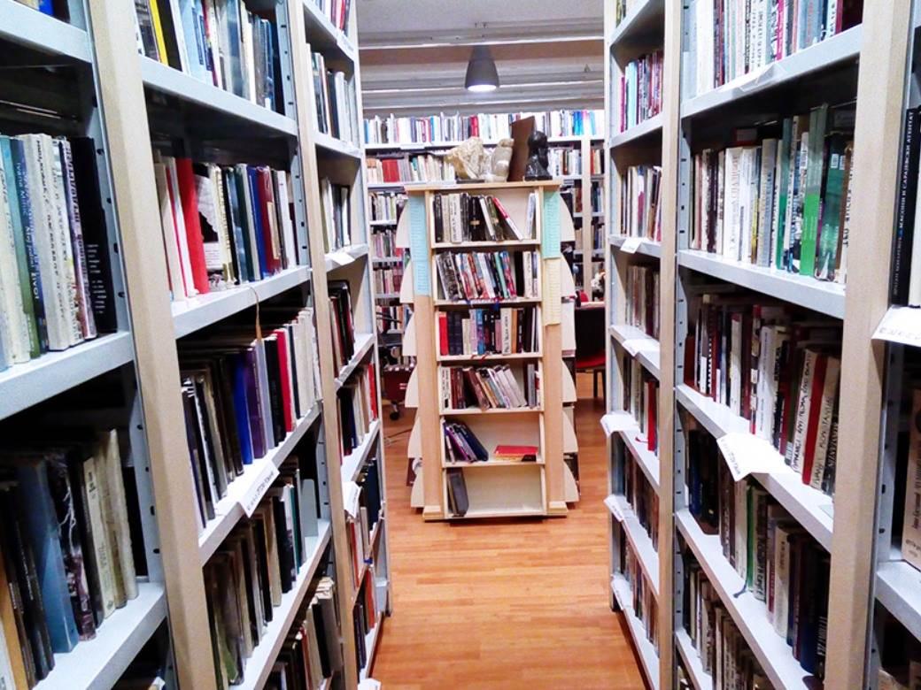 knjige.jpeg