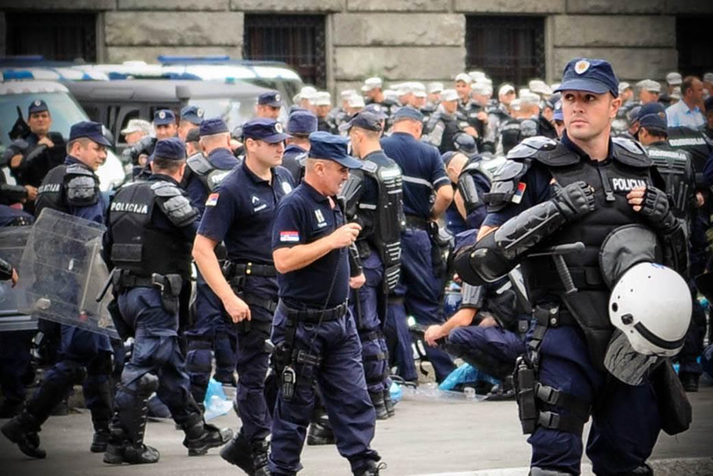policijski-čas-zabrana-kretanja-stefan-stojanović-06.jpg