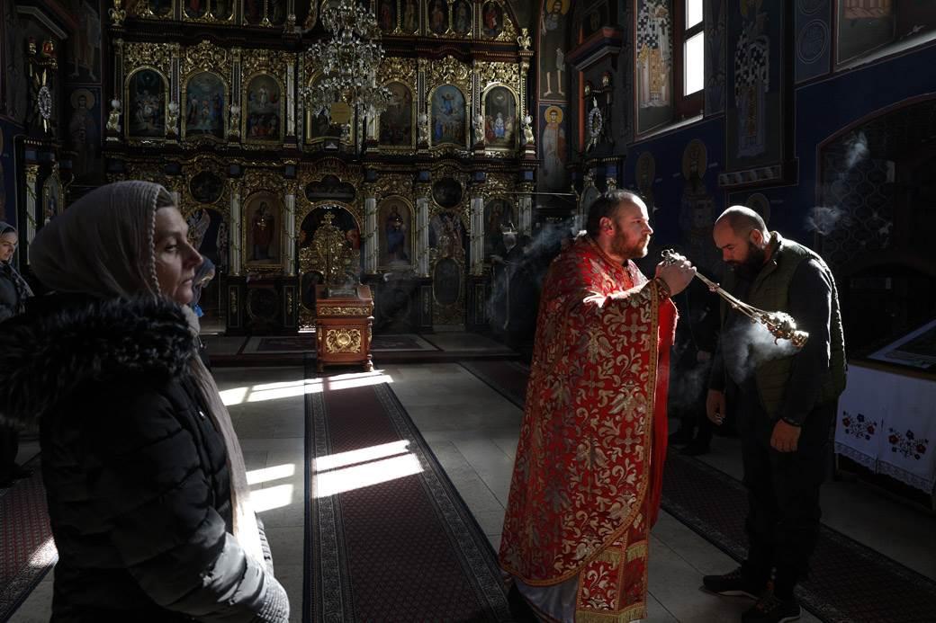 jakovo pop crkva uskrs liturgija
