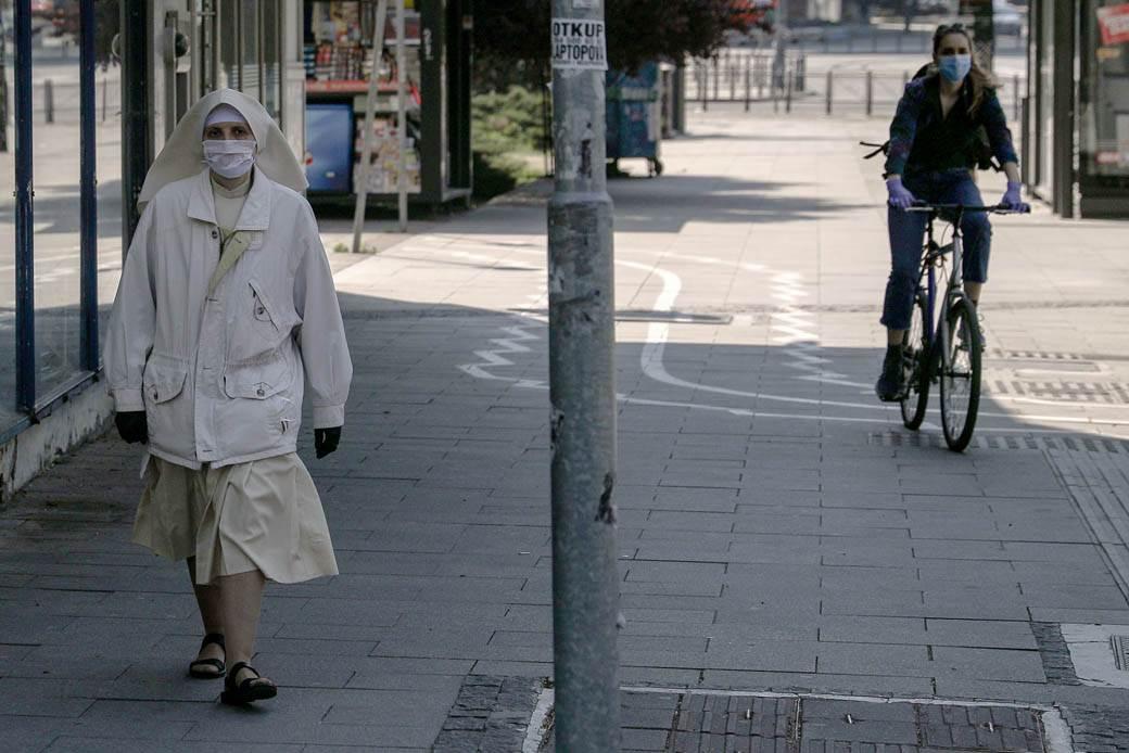 zaštitna-maska-maske-vanredno-stanje-stefan-stojanović.jpg