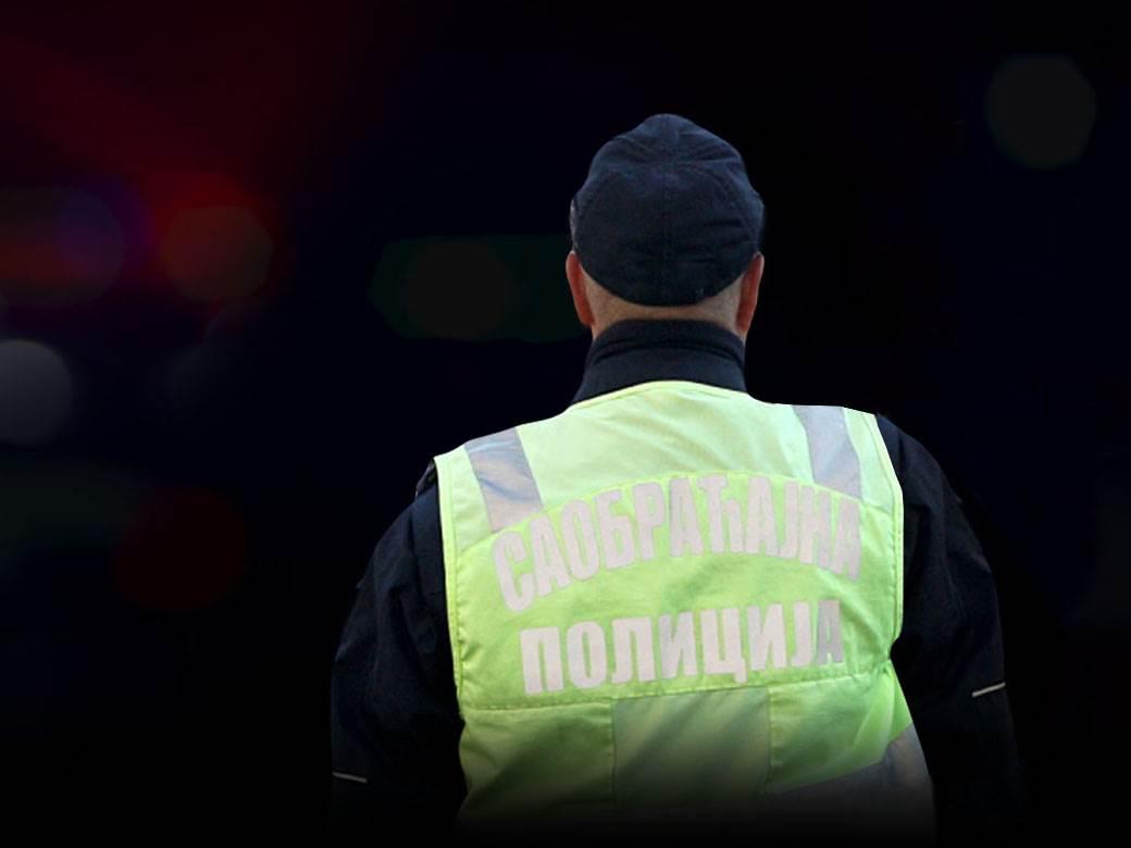 saobracajni policajac.jpg
