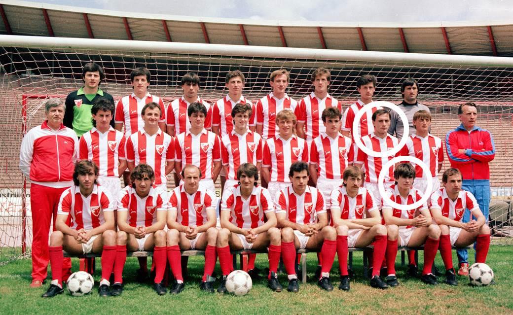 Đurović i Elsner zaokruženi za slici Zvezdinog tima iz jula 1984.