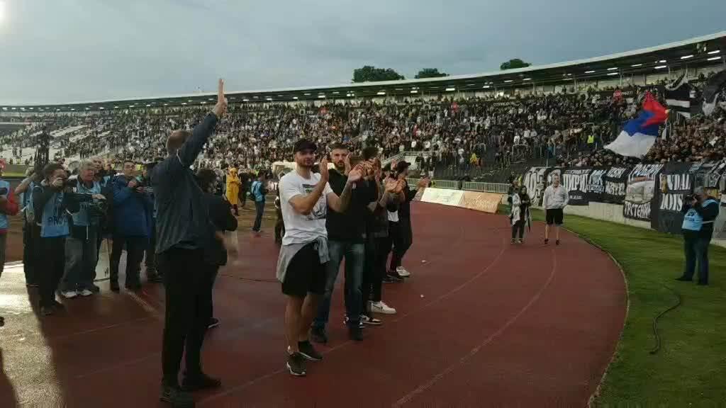 Košarkaši Partizana na derbiju (SPORT)