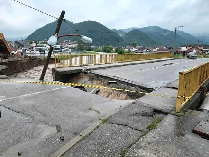 Ljubovija, most, poplava
