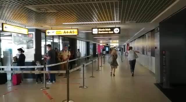Aerodrom Nikola Tesla (INFO)