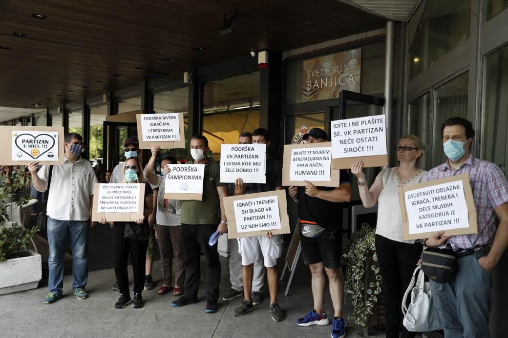 partizan vaterpolo protest