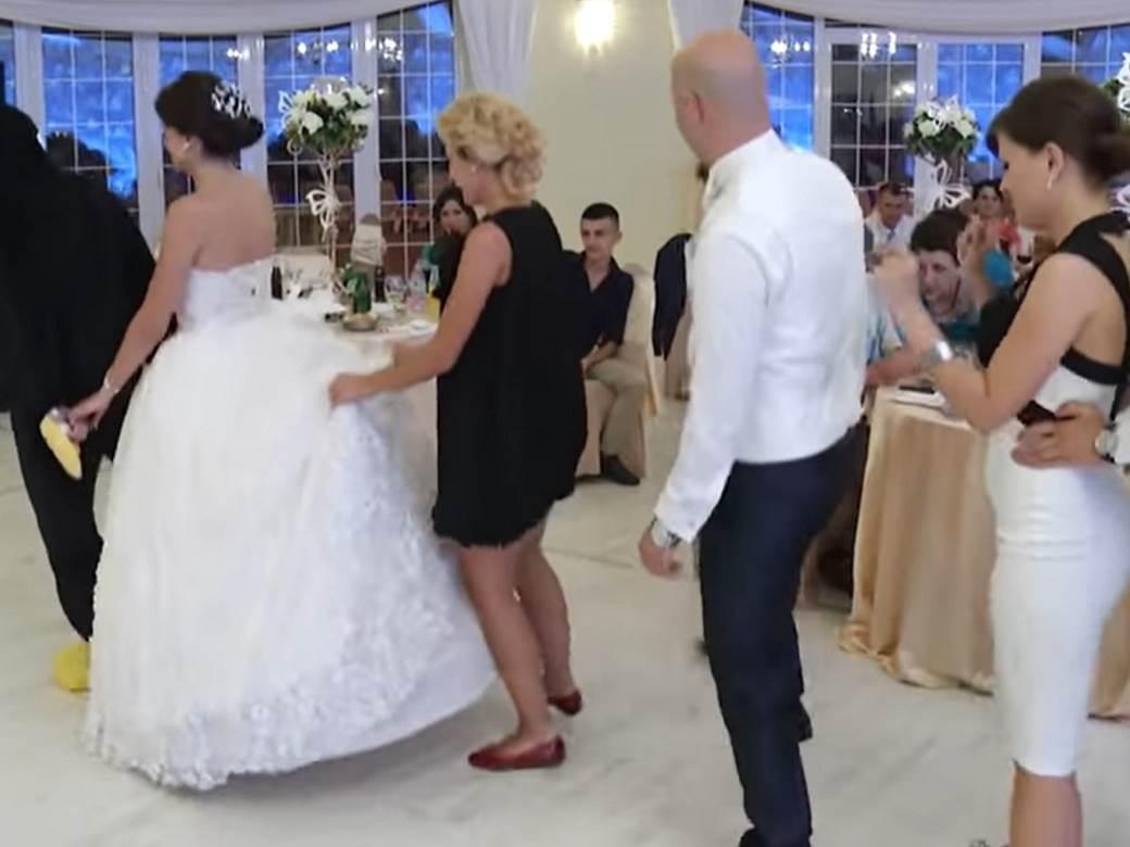 vozic na svadbi.jpg